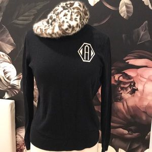 Set oil C wonder Monogram Sweater & angora beret